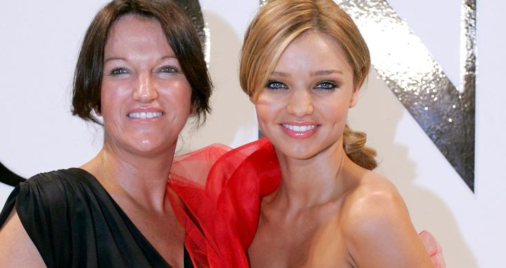 992bc26278d Miranda Kerr s Mom Drinks What ! - Videos - Metatube