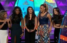 Teen Choice Awards 2015 -- Fifth Harmony & Kid Ink Win
