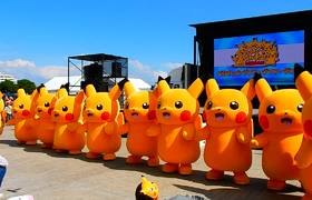 A group of Pikachus doing a great choreography in Japan