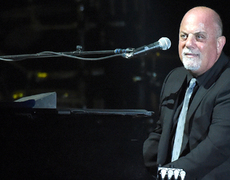 Amy Schumer and Jennifer Lawrence Dance on Billy Joel's Piano!