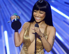 Nicki Minaj Pops Off on Miley Cyrus!