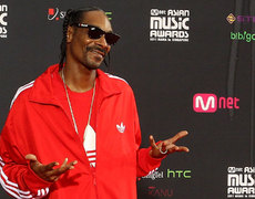 Snoop Dogg Balls Out With Steve Nash