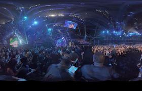 MTV VMA: Nicki Minaj Confronts Miley Cyrus on Stage