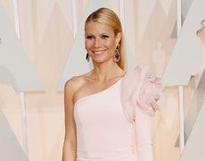 Gwyneth and Reese Post Adorable Back To School Pics!