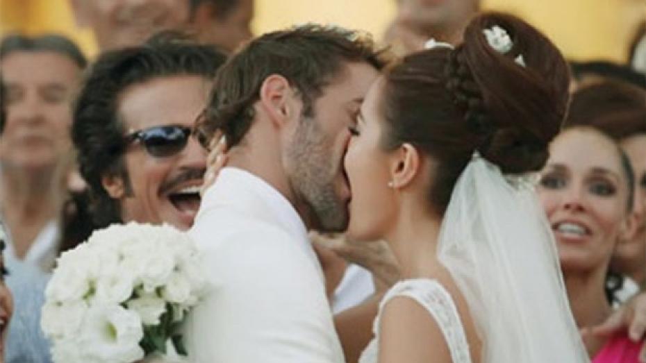 Matrimonio Ximena Navarrete : William levy le propone matrimonio a ximena navarrete videos