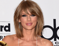 Taylor Swift Wins Emmy Award!