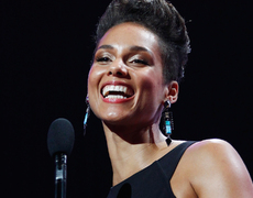 Alicia Keys' Touching Acoustic 9/11 Tribute