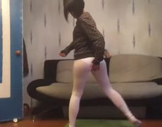 Sensual girl does Twerking and breaks her pants