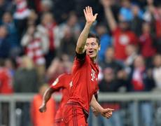 Robert Lewandowski scores 5 goals in 9 minutes