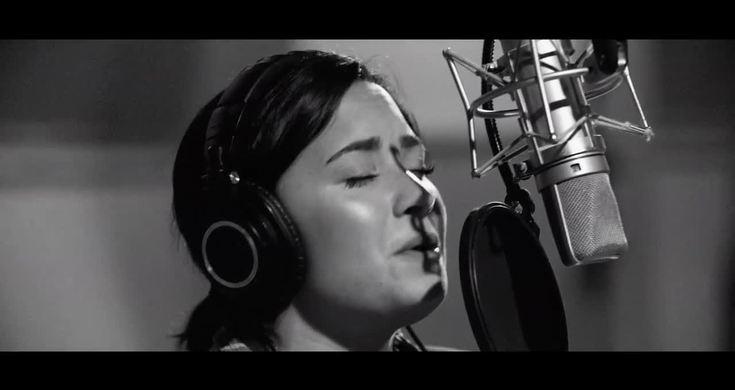 Demi Lovato - Stone Cold (Live In Studio) HD