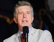 Tom Bergeron Pays Tribute to His Late Father