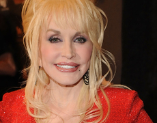 Dolly Parton Denies Stomach Cancer Rumors