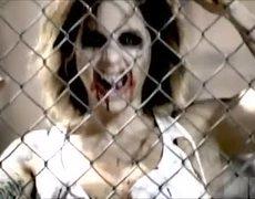 A Sexy Zombie - #Halloween Scare Prank