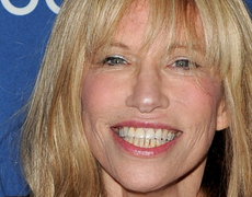 Carly Simon Reveals Who 'You're So Vain' is About!