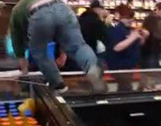 Caos en Walmart por Black Friday