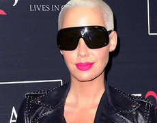 Nail of the Day: Amber Rose's Festive Fingers!