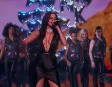 VICTORIA'S SECRET FASHION SHOW 2015 - Selena Gomez performs