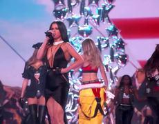 Selena Gomez - Hands To Myself/Me & My Girls - Medley (Victoria's Secret 2015 Fashion Show)