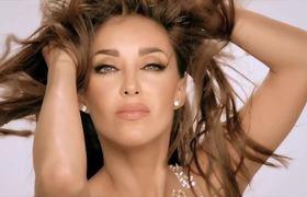 Anahí ft. Zuzuka Poderosa - Boom Cha . Video Oficial