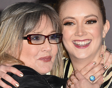 Carrie Fisher & Daughter Stun on Star Wars Red Carpet!