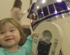 Star Wars characters made visits children's hospital patients in Los Angeles