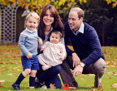 See the Royal Family's Christmas Card!