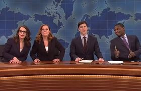 """#SNL - Tina Fey And Amy Poehler Take Over """"Weekend Update"""""""