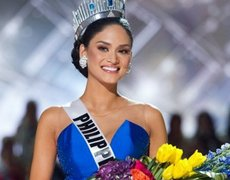 Wrong contestant mistakenly crowned at Miss Universe 2015