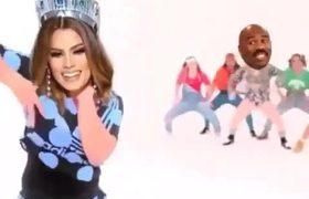 Ese incómodo momento donde te coronan como Miss Universo y ...