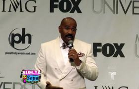Steve Harvey reacts to the mistake he made in Miss Universe