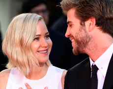 Jennifer Lawrence & Liam Hemsworth Kissing Off Screen