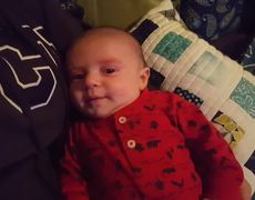 #VIRAL - Imperial march from Star Wars calm the crying of the baby