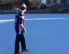#VIRAL - Vikings Fans Kick FG To Show Blair Walsh How Easy It Was