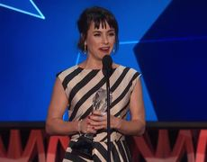 2016 Critics' Choice Awards: Constance Zimmer Wins Best Supporting Actress in a Drama Series
