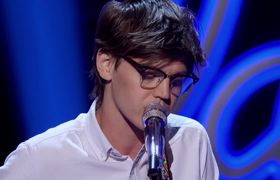 American Idol 2016: MacKenzie Bourg - Solo Round
