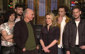 #SNL - Larry David Gets A Hug From The 1975 & Kate McKinnon