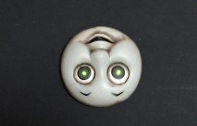 #VIRAL - Creepy toy crawling up the walls
