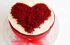Delicious cake for Valentine without oven!