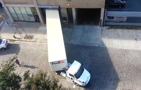#VIRAL: Fedex Truck Driver Performs Perfect Reverse Parking Into Narrow Garage