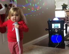 #CUTE - Girl with a strange disease is a Karaoke Star