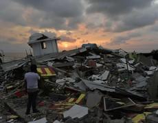 Terrible sismo de 7.8 grados sacude a Ecuador y Colombia