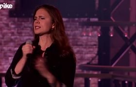 Lip Sync Battle: Hayley Atwell performs The Offspring's