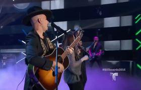"""Premios Billboard 2016: Jesse & Joy cantan """"No Soy una de Esas"""" con Luis Coronel"""