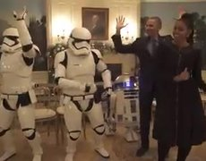 Obama and his wife dance on the day of
