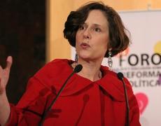 Piden a Denise Dresser para presidenta