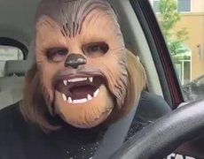 #VIRAL - 'Chewbacca' Mom goes crazy In Chewbacca Mask