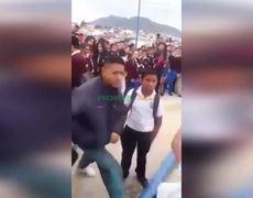 Men Beats a Defenseless Teen in the Face
