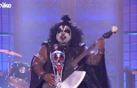 """Lip Sync Battle: CeeLo Green performs KISS' """"Rock and Roll All Nite"""""""