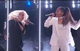 The Voice USA 2016 Finale - Ariana Grande - Into You/Dangerous Woman ft Christina Aguilera (Live)