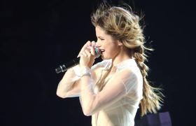 Los fans de Selena Gomez la hacen llorar